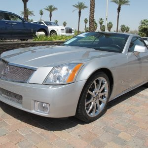 2007 Cadillac XLR-V - Light Platinum