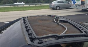 2005 Cadillac XLR - Roof Panel Detached while Driving